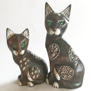 Santa Fe Marketplace Wood Cat and Kitten