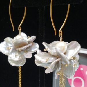 Santa Fe Marketplace Abundance Petal Pearl Earrings